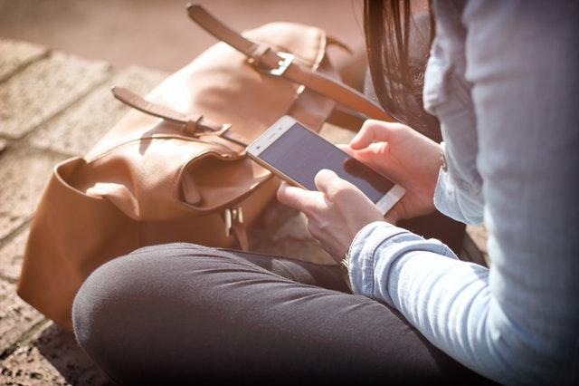 Mobile first reszpontív szempont profi weboldal készítés